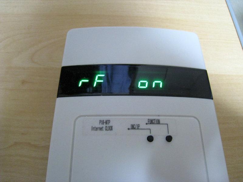 高周波という意味の radio frequency の頭文字RF